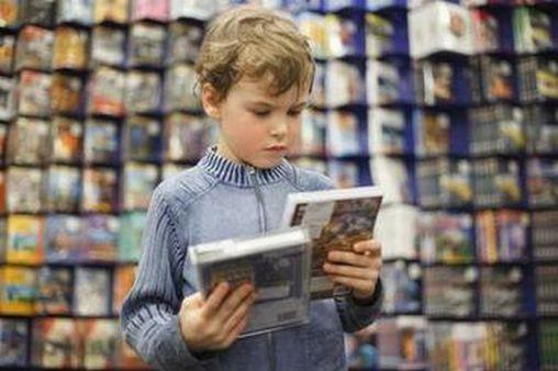 kid choosing